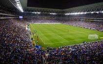 Estadio-cornella-el-prat-lleno-noche