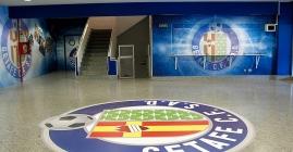estadio-getafe-interior-escudo