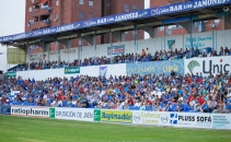 tribuna-estadio-linares