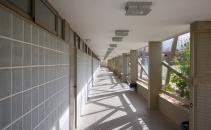pasillo-vestuario-estadio-los-olivos